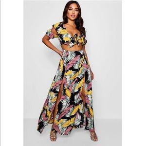 59704a6fa21 Boohoo Dresses - Boohoo floral maxi dress